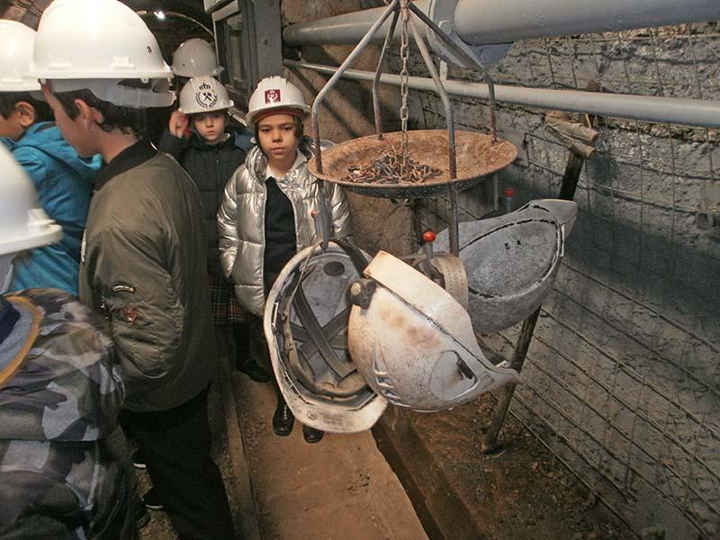 4º de Primaria visita la escuela de minas
