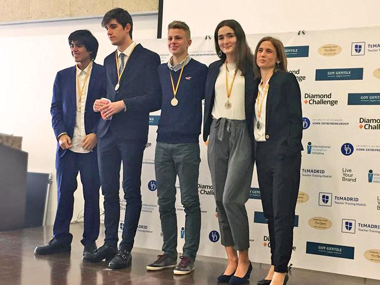 Primer y Segundo Premio en la Competición de Emprendimiento Internacional Diamond Challenge