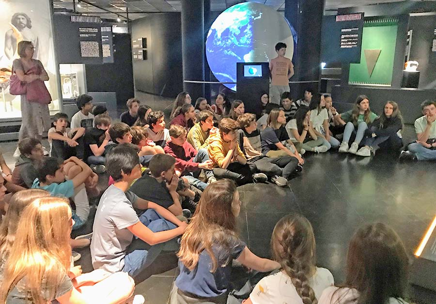 1º de Secundaria visita el Planetario